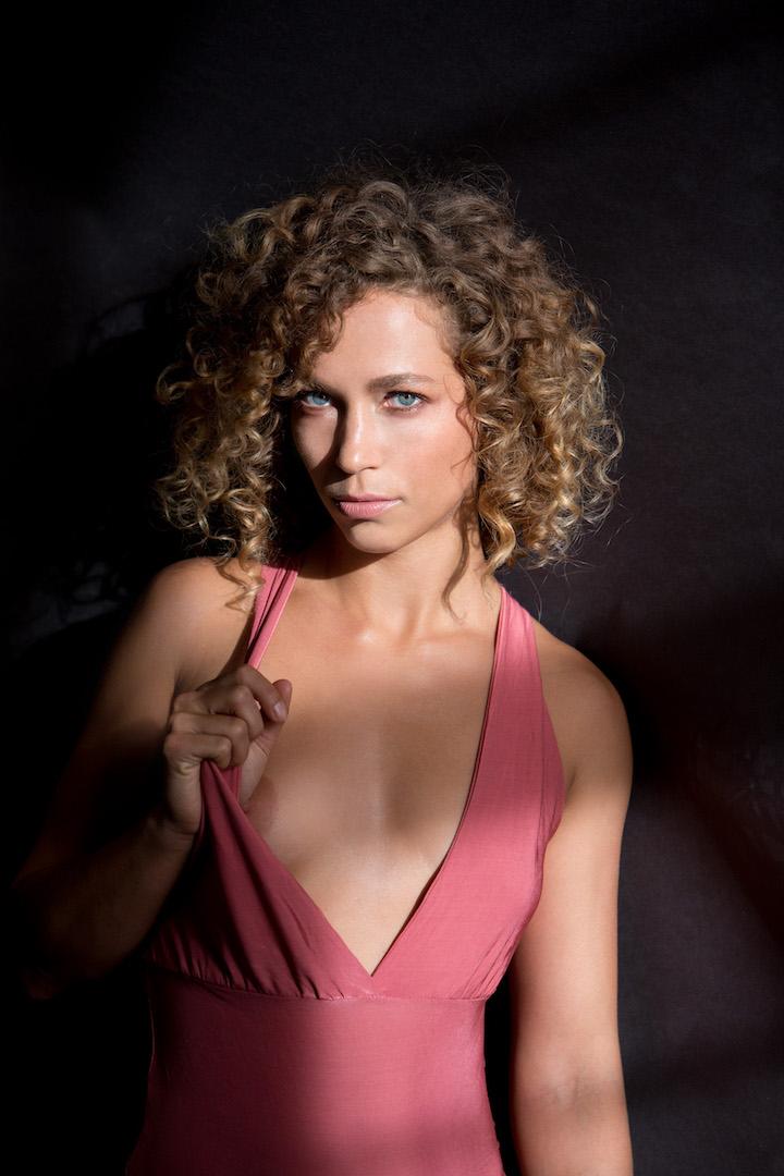 Leah Féline